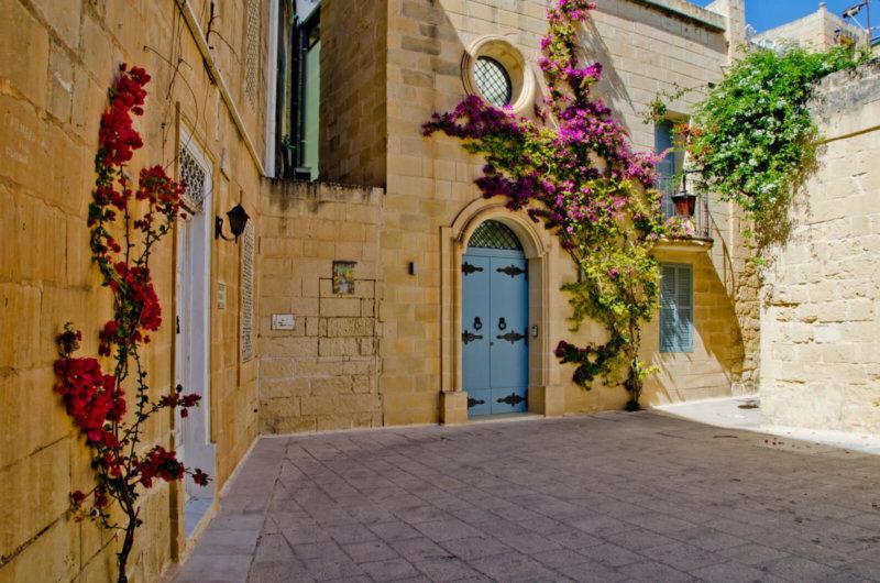 Hotel e auto a noleggio per scoprire la terra dei Cavalieri di Malta