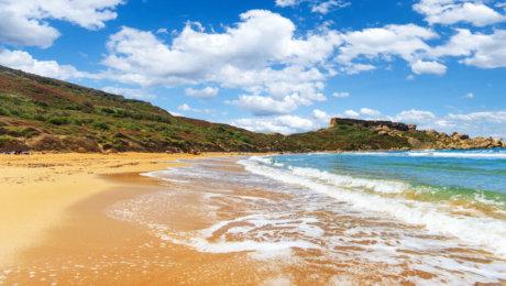 Speciale Fine Estate 2019 sulla Spiaggia più bella di Malta, Volo Incluso!!!