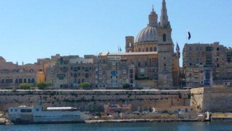 Vola a Malta da Napoli da agosto a settembre