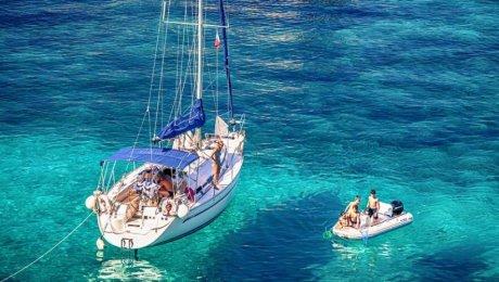 In barca a vela tra storia e mare incantevole!!